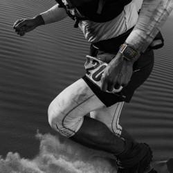Watch Nike GPS, 38mm Argent Aluminium Coque Avec Pure Platinum Noir Nike Sport Band Nouveau